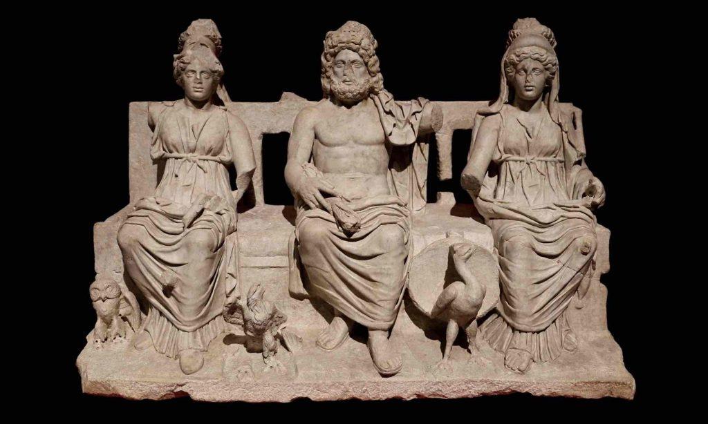 Gruppo statuario della Triade Capitolina oggi al Museo Archeologico Rodolfo Lanciani di Guidonia Montecelio
