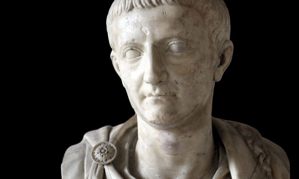 Busto in marmo dell'imperatore Tiberio oggi al museo archeologico di Venezia
